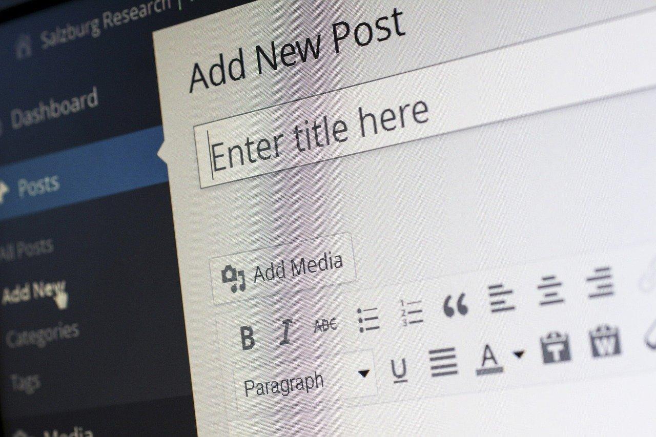 Firmablogg kan enkelt utvikles gjennom løsninger som WordPress.