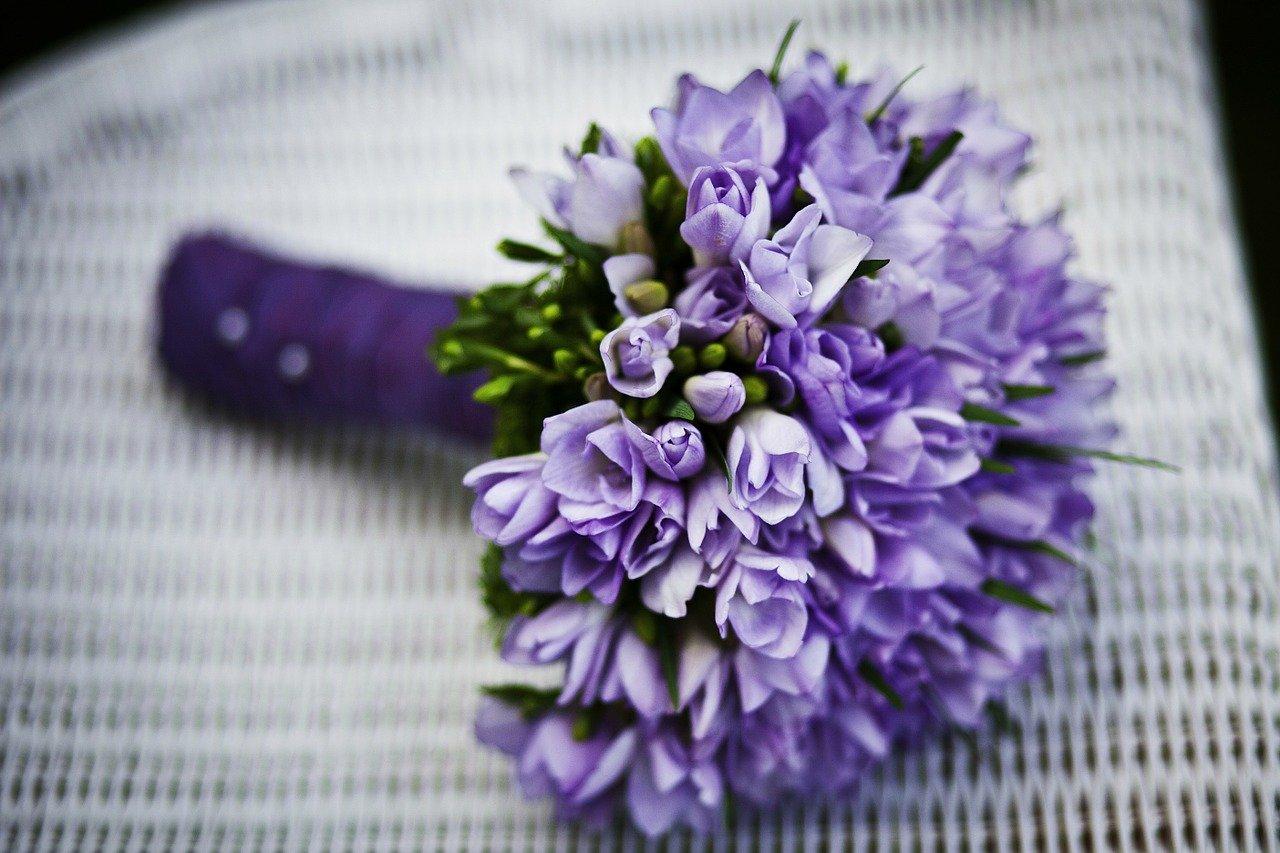 En blomsterbukett som blir brukt i bryllup