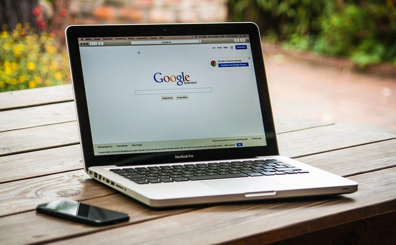Søkemotoren google, hvor du kan søke etter gratis taler på nett